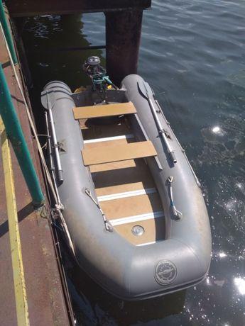 Лодка надувная ПВХ Кайман 330, килевая, сплошная жесткая палуба.