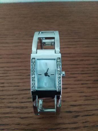 Женские наручные часы - браслет от AVON в оригинальной упаковке