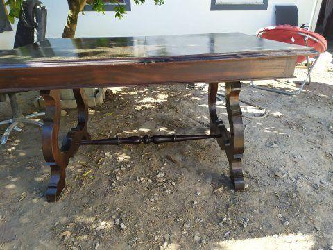 Mesa madeira e cadeiras