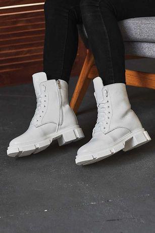 Женские ботинки кожаные зимние белые На меху
