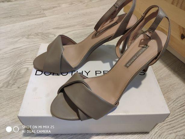 Sandały na obcasie Dorothy Perkins rozmiar 39