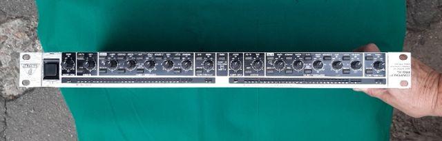 BEHRINGER MDX 2600 компрессор лимитер