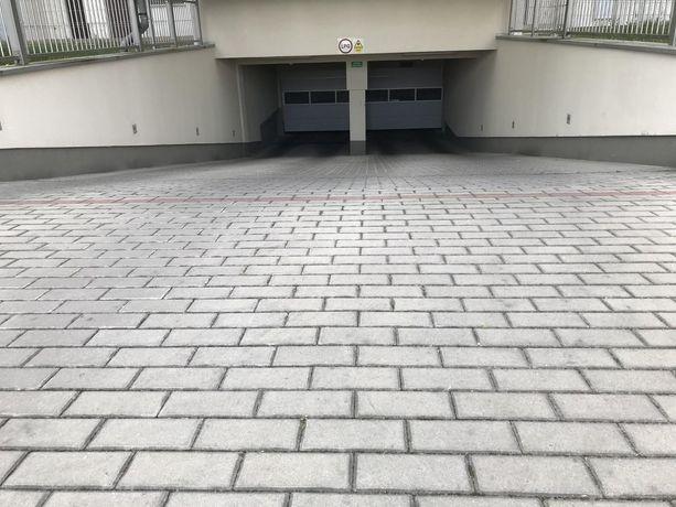 Miejsce postojowe w hali garażowej ul. Morzyczańska