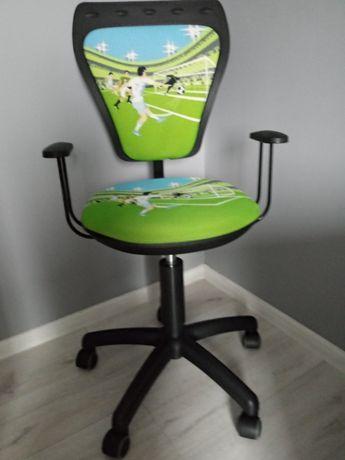 Krzesło obrotowe dla chłopca