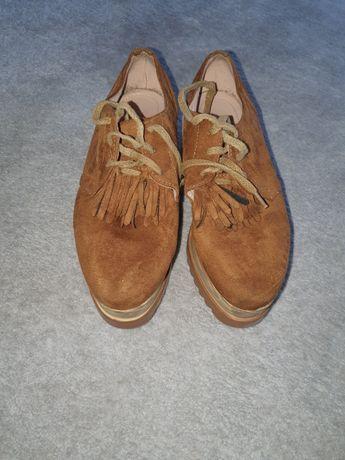 Vendo sapatos com sola