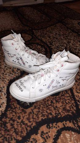 Продам кроссовки, ботинки, кеды