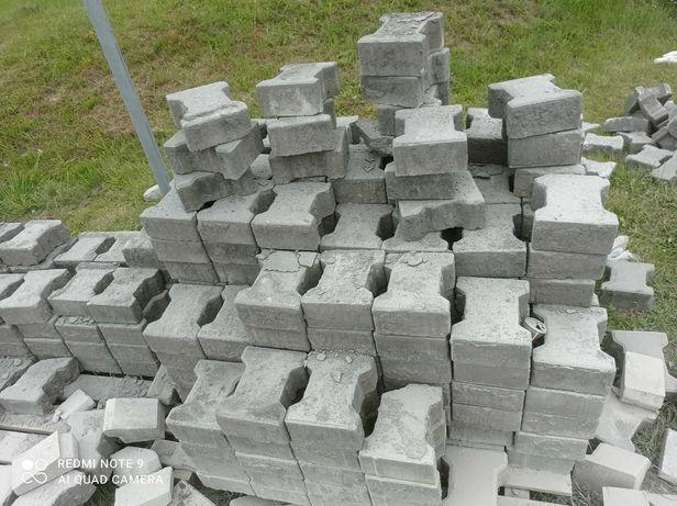 kostka brukowa rozbiórkowa benhaton -kość 8 zł m2
