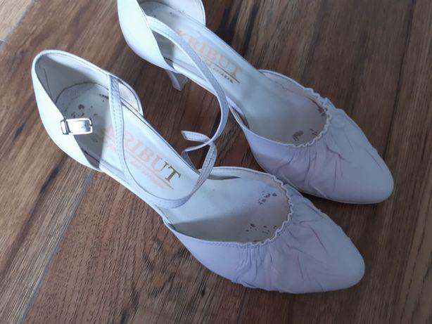 Buty damskie ślubne
