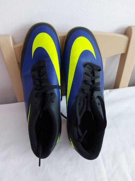 Buty halowe Nike roz. 42