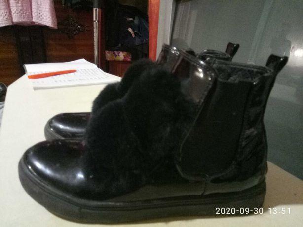 Ботинки лаковые с мехом