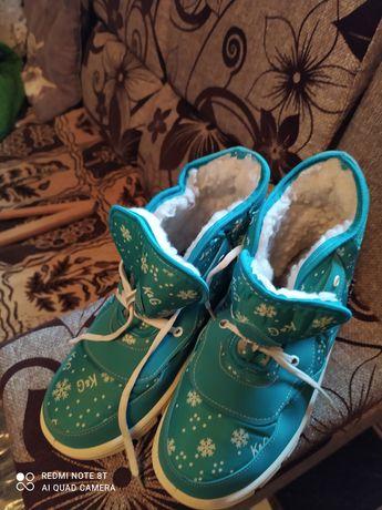 Ботинки новые тëплые зима 39 размер