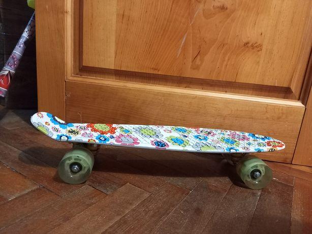 Продам скейт детский
