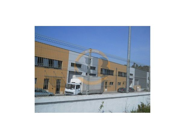 Armazém em Zona Industrial de Oliveira de Azeméis