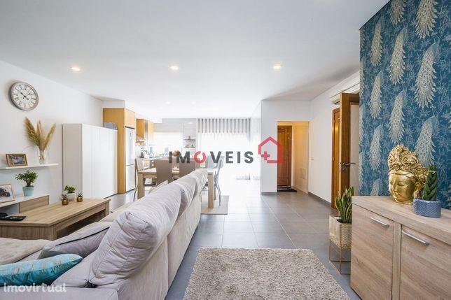 Apartamento T2 na Urbanização Vale de Lobos (Telheiro)