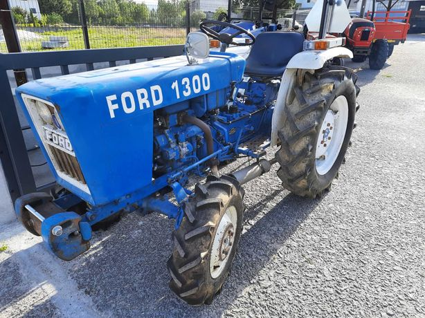Trator FORD 1300 4x4