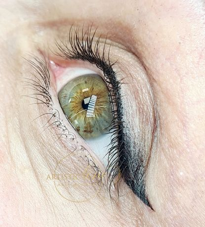 Kreska dekoracyjna - smooth eyeliner