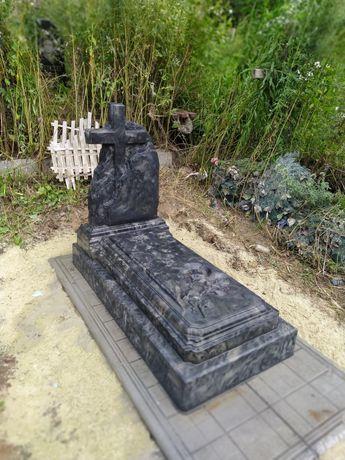 Памятник одинарний 8500  грн з встановленням