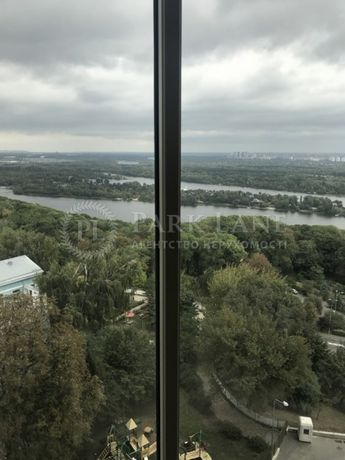 Продам квартиру(264м2)с видом на Днепр в доме Lux-класса на Мазепы 11б