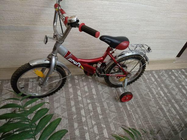 Детский велосипед на 16 дюймов колеса