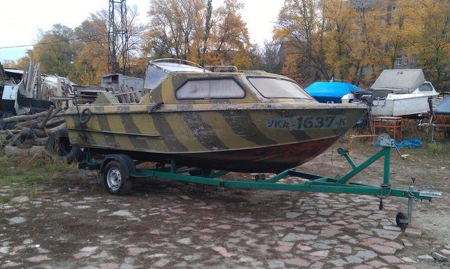 Моторная лодка / катер Москва 2 + мотор Johnson + лафет