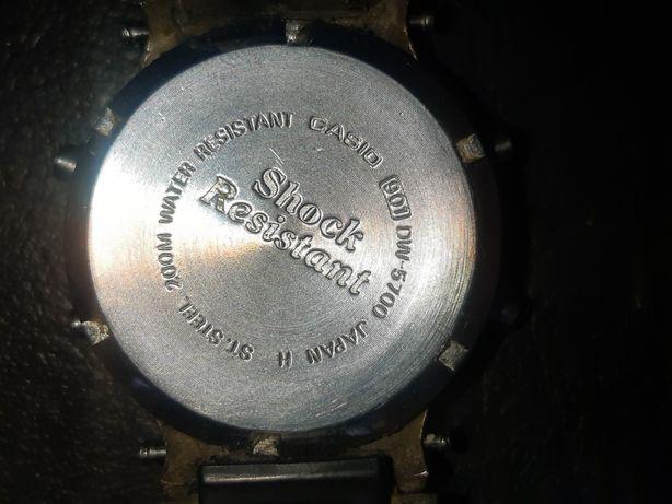 Stary zegarek elektroniczny