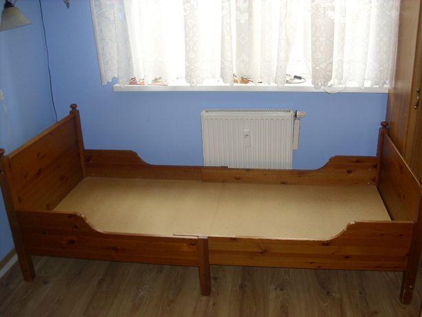 Łóżko z litego drzewa Ikea Leksivig.