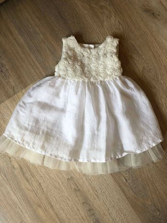 Продам нарядное новогоднее платье для девочки 3 6 мес