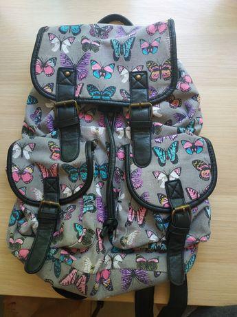 Plecak dziewczęcy w motylki