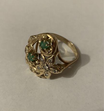Продам кольцо, бриллианты, изумруды