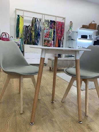2 стола, новые, подойдут к любому стилю