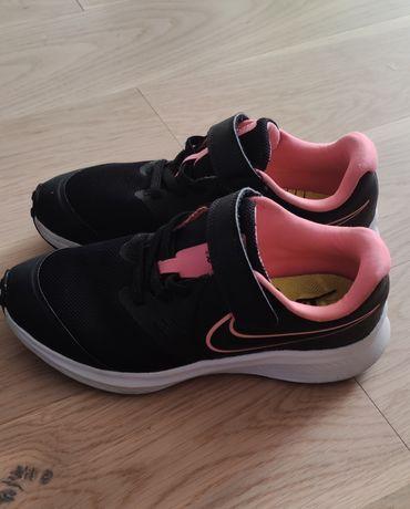 Кросівки для дівчини оригінал nike