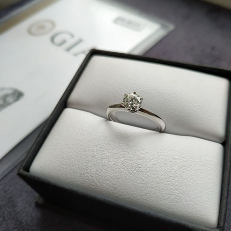 Кольцо с бриллиантом 0,52 карат