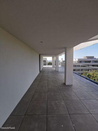 PENTHOUSE T3 RECUADO -Terraço 117m2 garagem 4 carros 300m praia Granja