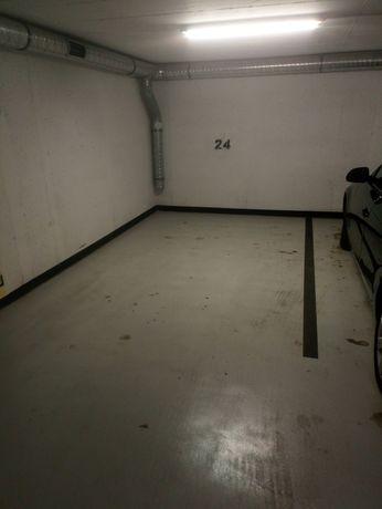 Miejsce parkingowe garaż