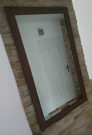Lustro w drewnianej ramie 100x60