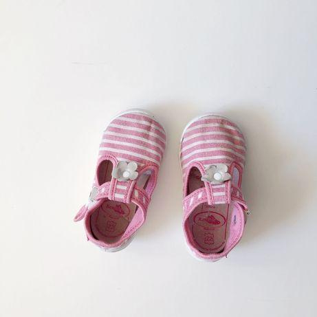 Buty kapcie Renbut 22 Sandałki pantofle do przedszkola dziewczynka