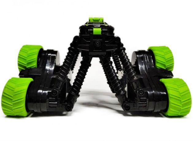 Трюковая машинка на радиоуправлении с раздвижными колесами