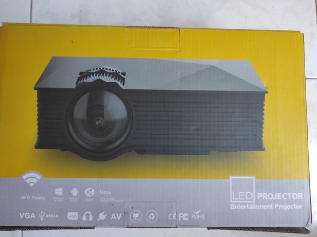 Projector LCD Únic uc68