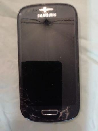 Telemóvel Samsung - modelo GT-i8190L