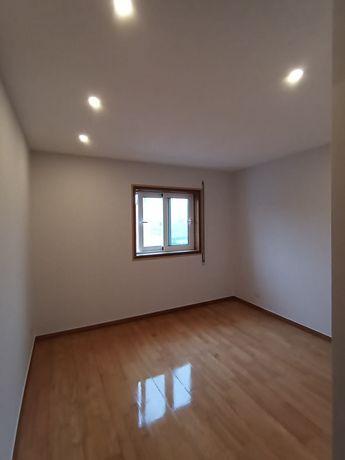Pladur, pintura, chão. (Renovações e Remodelações)