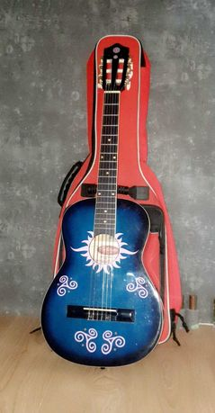 Profesjonalna gitara dla dziecka z pokrowcem