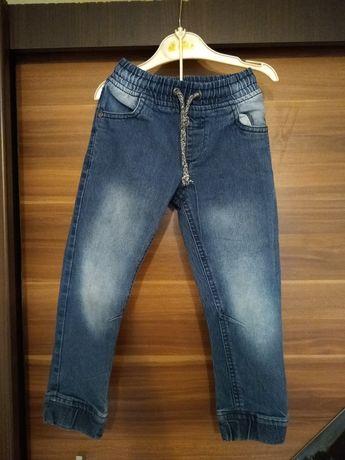 Spodnie/ dżinsy dla chłopca 104-110