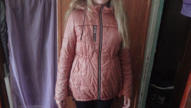 Демисезонная куртка 46 р