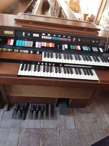 Organy Hammond by Leslie