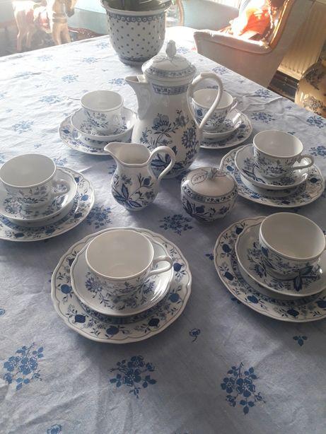 Serwis porcelanowy wzór cebulowy