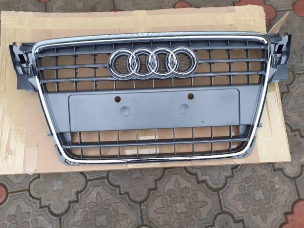 Решётка радиатора НОВАЯ Audi A4 B8 (2007-2011) дорестайл Ауди А4 Б8