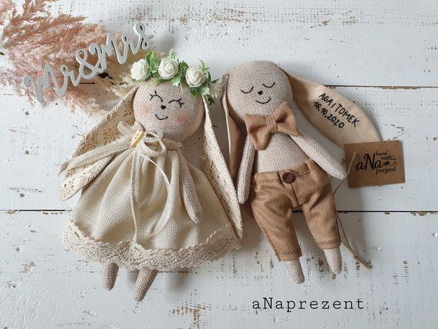 Młoda para hand made króliki prezent na ślub ręcznie robiony