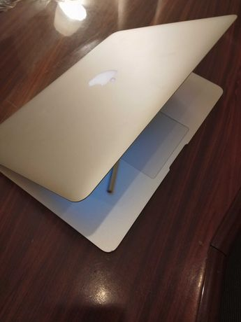 Ноутбук 13,3″ APPLE MacBook Air A1369/2 Ядра/HDD 250 ГБ