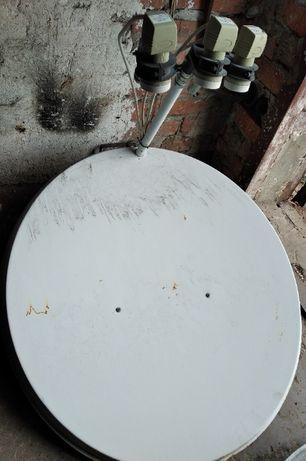 Спутниковые антены в комплекте с ресивером.