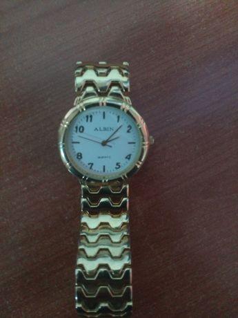 Relógio Albin dourado